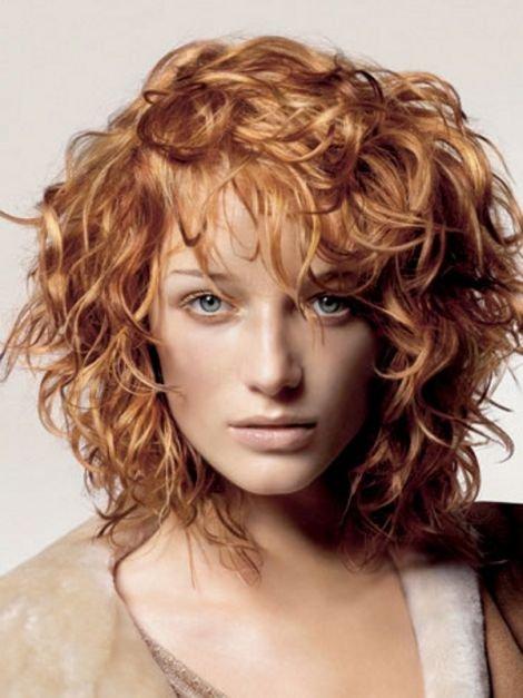 Короткая стрижка каскад на вьющиеся волосы
