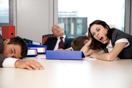 Боремся с дневной сонливостью в рабочее время