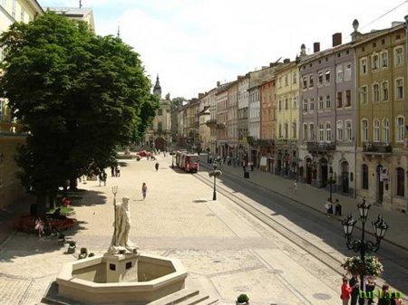 Воскресная прогулка по улицам Львова. ФОТО