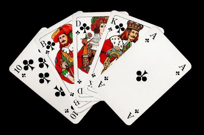 starinnaya-azartnaya-igra-v-karti