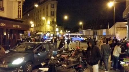 Париж відео: Мобільна зйомка роботи поліції і швидкої допомоги після вибуху