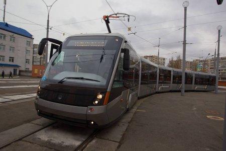 """Новый трамвай """"Электрон"""" выйдет на линию скоростного трамвая. Кличко"""