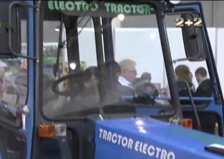 Українці створили трактор на батарейках. ВІДЕО