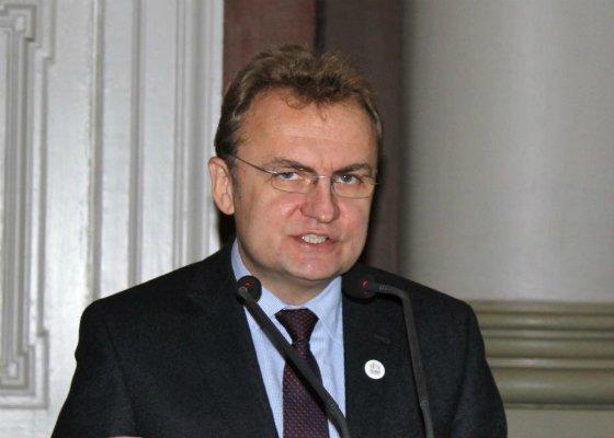 У Порошенка просять узаконити перевибори мера Львова у березні