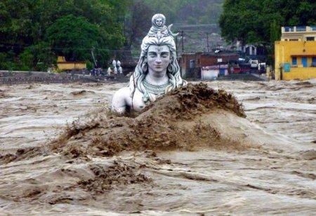 Более 300 человек погибли в результате наводнения в Индии. ФОТО. ВИДЕО