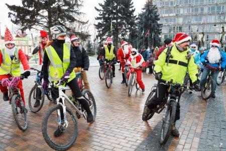 Новогодний Велопарад в Виннице. ФОТО