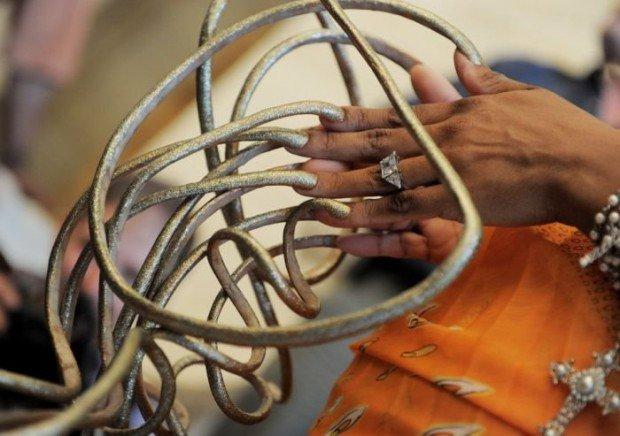 Фото самых длинных ногтей на руках 76