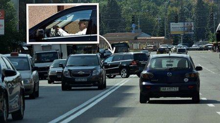 Ющенко на своем авто нарушил правила дорожного движения