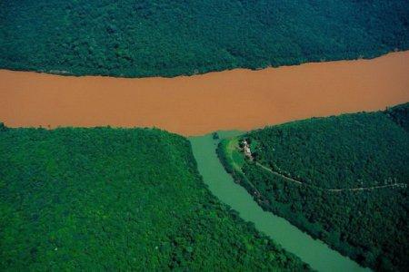Удивительное рядом: места, где встречаются реки, моря и океаны. ФОТО