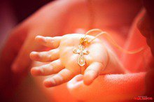 Запретить крестить маленьких украинцев до 18 лет - петиция