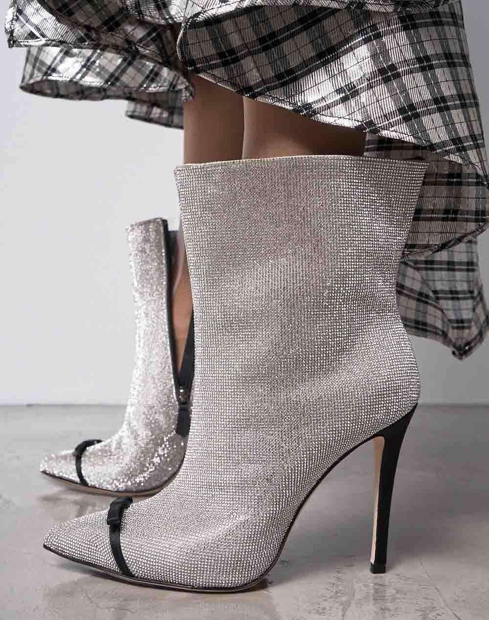 5898cc1cf1a9c0 При цьому в усі часи вважалося, що зовнішній вигляд жінки починається з  взуття. Модельєри стверджують, що будь-яке, ...