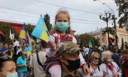 День защитников и защитниц Украины: поздравления, поездка на фронт, марш в столице